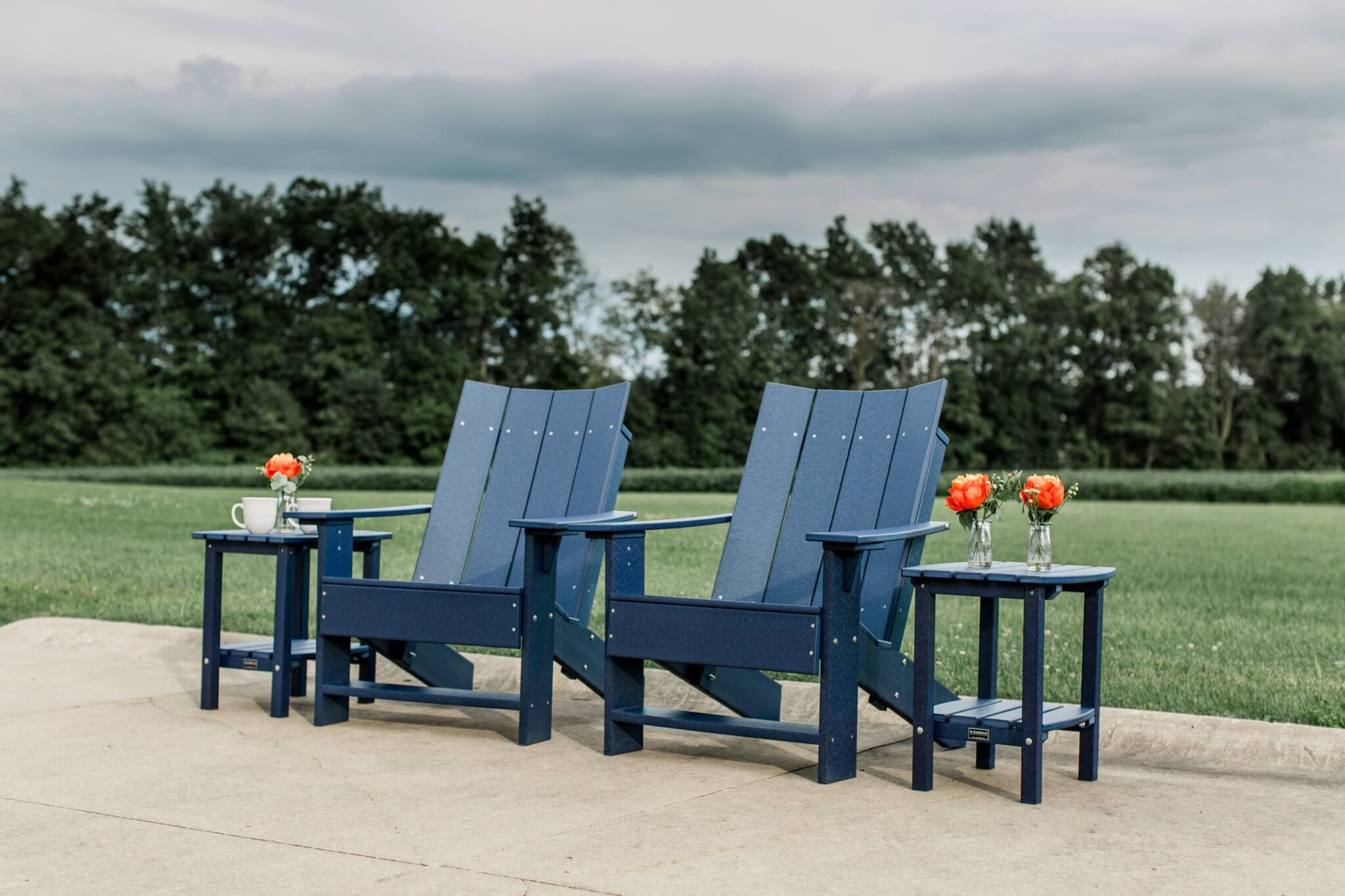 Contemporary Collection Wildridge Outdoor Poly Furniture